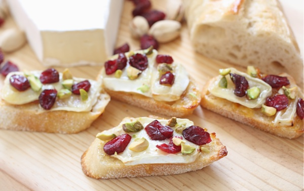 Cranberry-Orange-Brie-Crostini