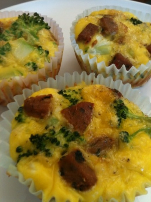 Egg-Muffins-with-Sausage-and-Broccoli