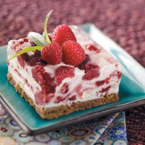 Raspberry-Swirl-Frozen-Dessert