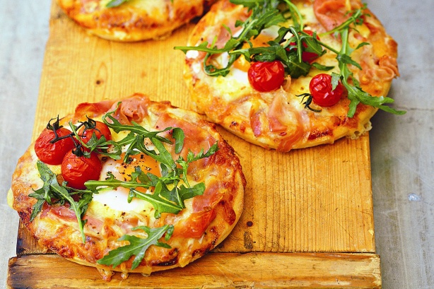 Egg-and-bacon-pizzas