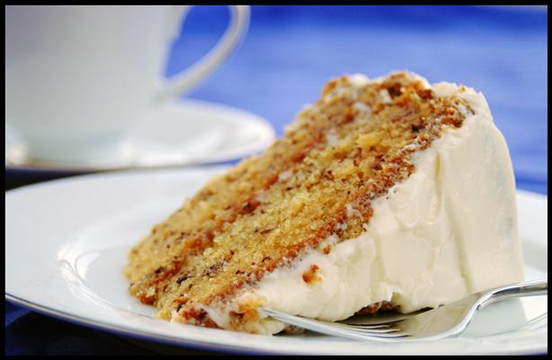 Banana-Cake-With-Cream-Cheese-Frosting
