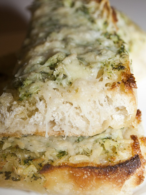 Basil-Butter-Garlic-Bread